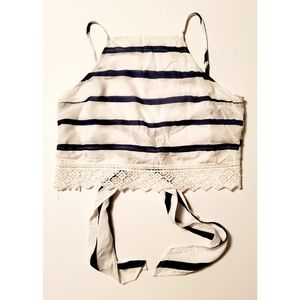 🌞Bundle 4/$25 A&F Striped Embroidered Crop Top